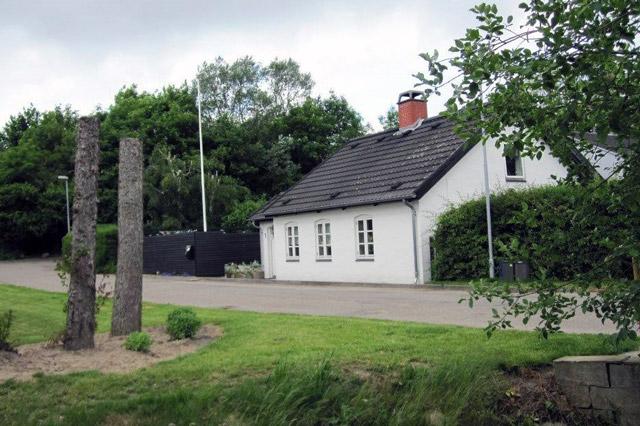Facaden set fra Rønbækken 2014